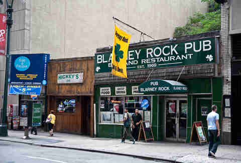 Best Bars Restaurants Near Madison Square Garden Thrillist