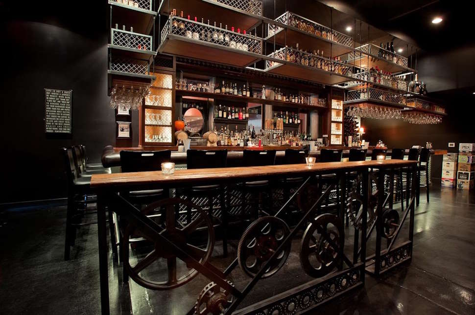 Best Speakeasies In Atlanta Secret Bars To Drink At Right