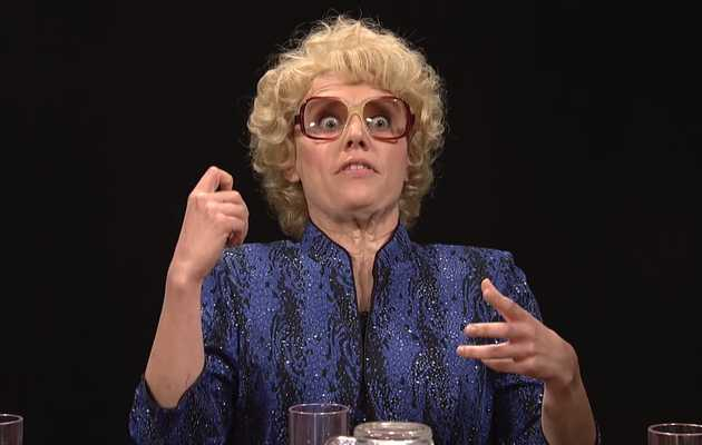 Kate McKinnon's Loony Actress Debette Goldry Stole the 'SNL' Premiere