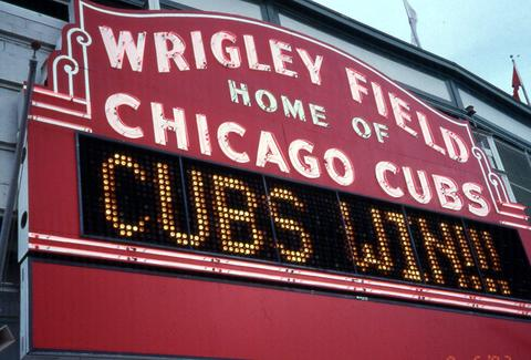 wrigley field chicago cubs marquee