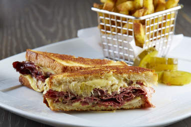 Knife's Reueben sandwich