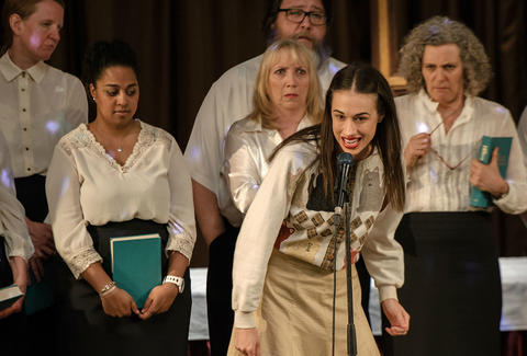 miranda sings haters back off on netflix