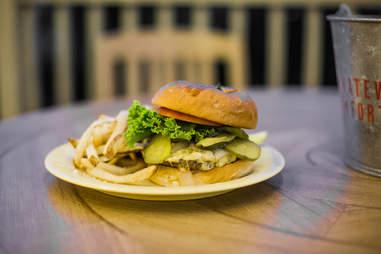 Oscar's Bar and Grill Burger