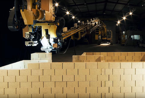 hadrian x brick laying robot