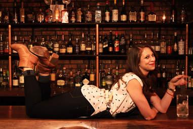 Pam Wiznitzer bartender