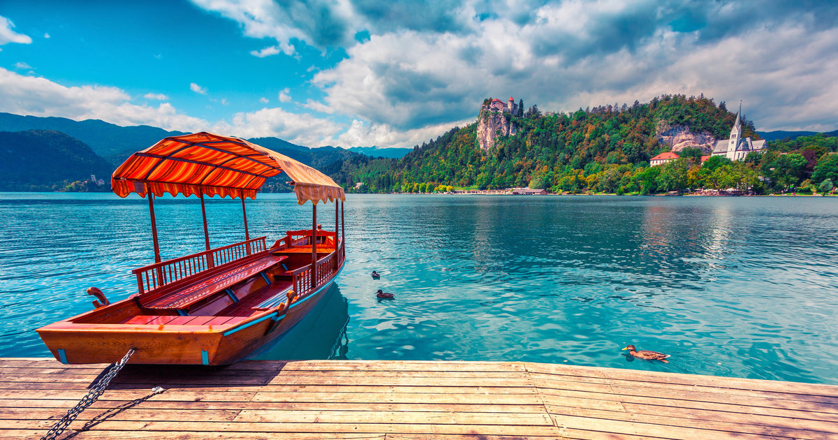 13 Surprisingly Easy Countries for English Speakers to Travel In