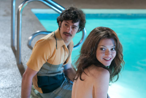 lovelace on netflix amanda seyfried adam brody