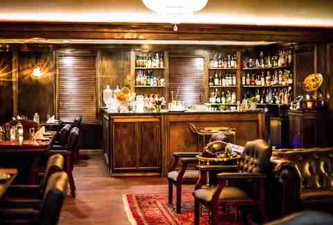 Best Bars in Boston - Beverage Director - Thrillist