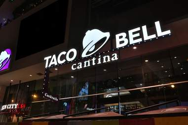 Best Taco Bell in the World: Las Vegas Cantina Has New Menu Items ...