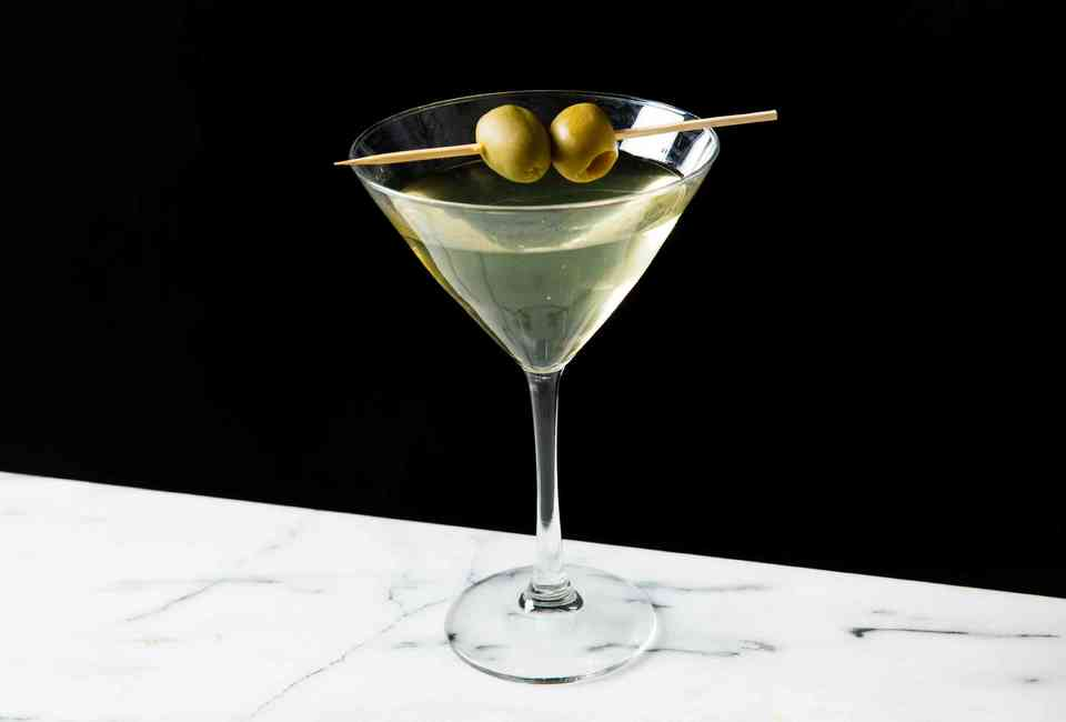 Worst Cocktails to Order: Bad Mixed Drinks Bartenders Hate