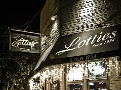 Lottie's Pub Chicago
