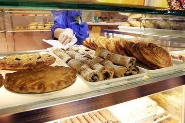 Rose and Joe Italian Bakery