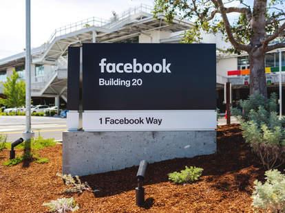 facebook menlo park hq sign