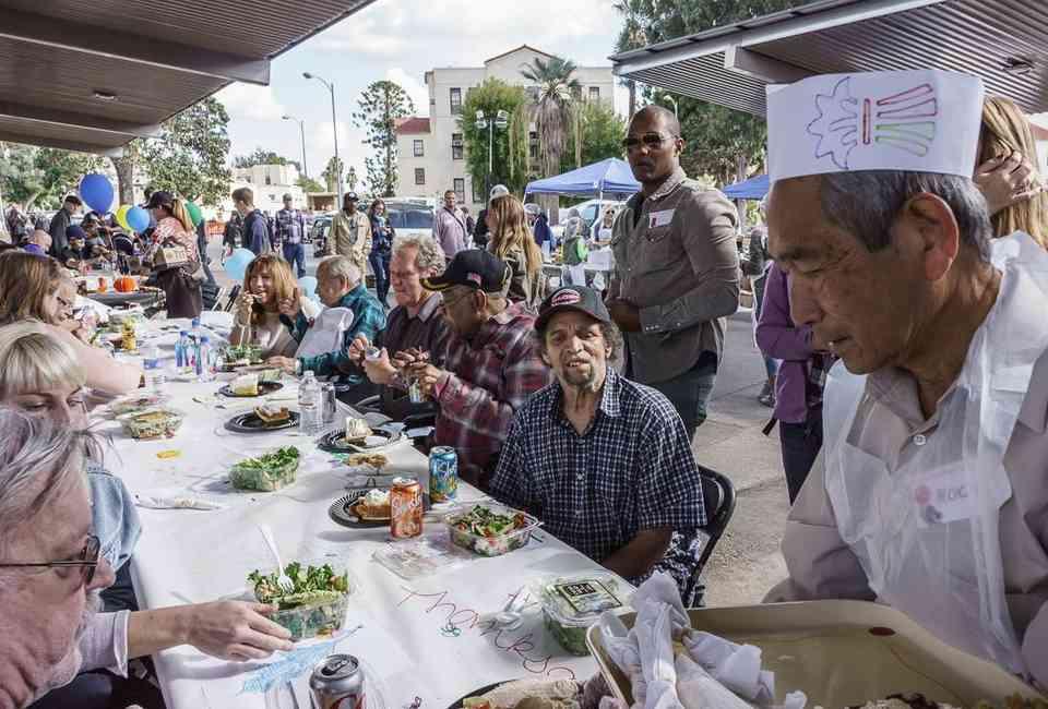 Where to Eat Thanksgiving Dinner (& Volunteer) in Los ...