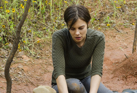 the walking dead season 7 episode 5 maggie lauren cohan