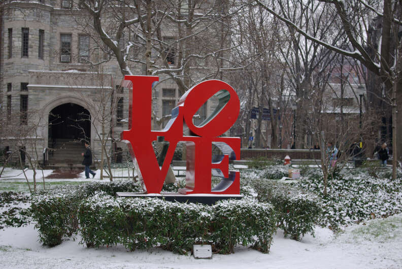 love statue philly