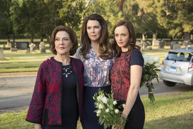 gilmore girls revival kelly bishop alexis bledel lauren graham