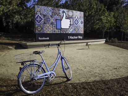 Facebook 1 Hacker Wat sign