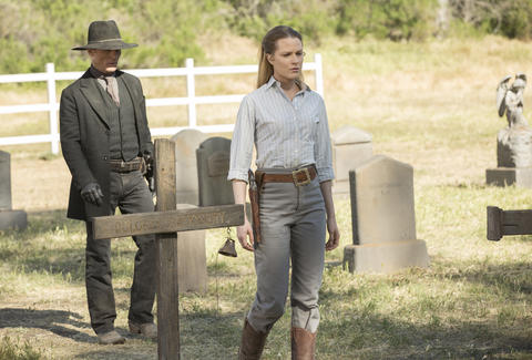 ed harris and evan rachel wood on hbo westworld