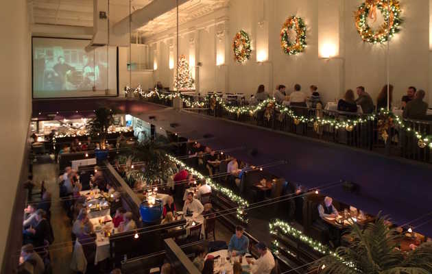 Holiday Cheers: The Most Festive Places to Grab a Drink in Memphis