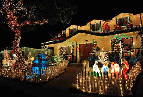 Best Outdoor Christmas Light Displays To See In Los Angeles  - Christmas Lights In La