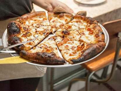 Rize Artisan Pizza + Salad, Atlanta