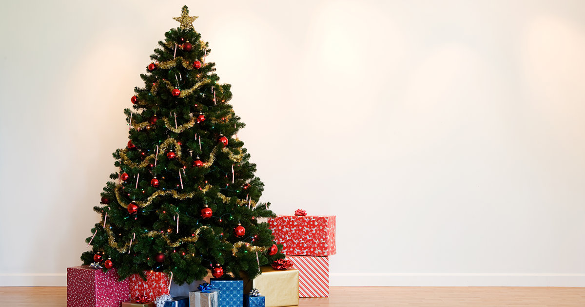 Best Artificial & Prelit Fake Christmas Trees To Buy Right