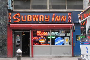 Subway Inn bar sign
