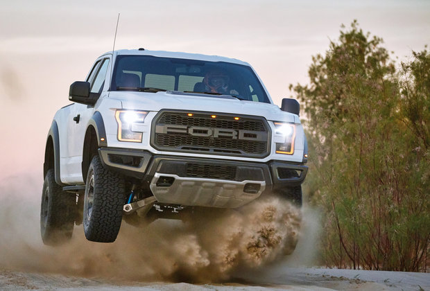 We Drove the New 2017 Ford Raptor, the Most Badass F-150 Ever Built