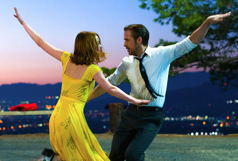 la la land review ryan gosling emma stone musical
