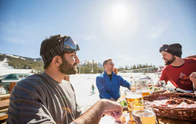 The Best Après-Ski Towns in the Mountainous Land of Canada