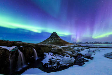 Northern lights at Mount Kirkjufell