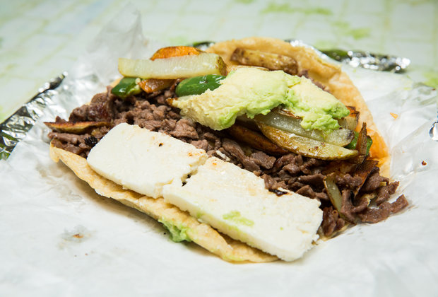 The Best Thing We Ate Under $10 This Week: Puebla de Los Angeles' $5 Tacos Placeros
