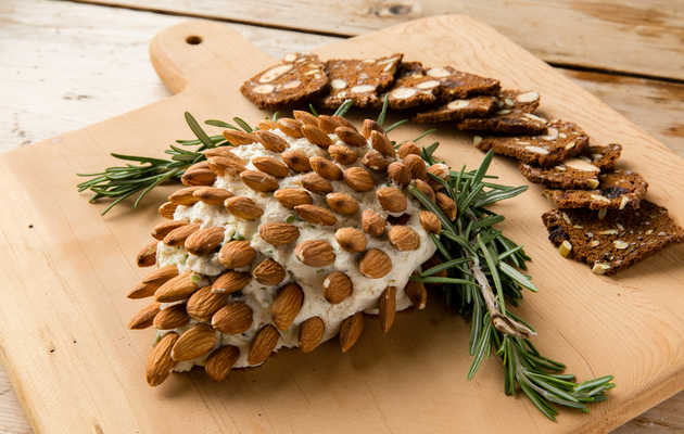 The Pinecone Cheeseball Is Here to Win Your Holiday Party