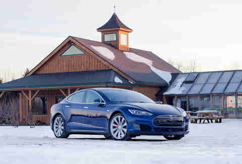 Tesla P90D on snow