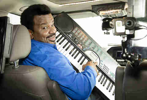 caraoke showdown craig robinson
