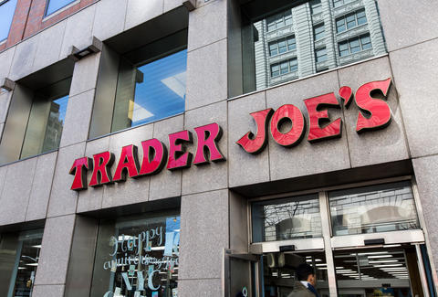 8b9c8332d1549 Why Trader Joe s Sucks  The World s Worst Grocery Store Explained ...