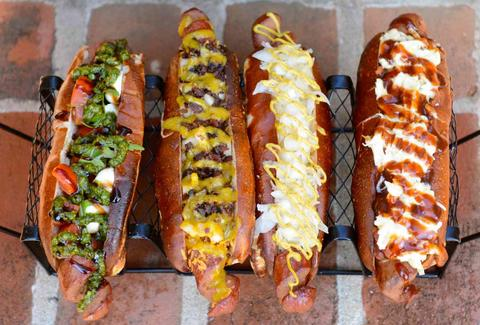 chili cheese hot dogs