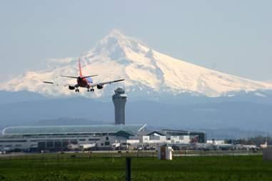 Plane landing at Portland