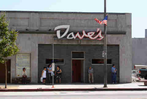 dave's bar los angeles dive bar