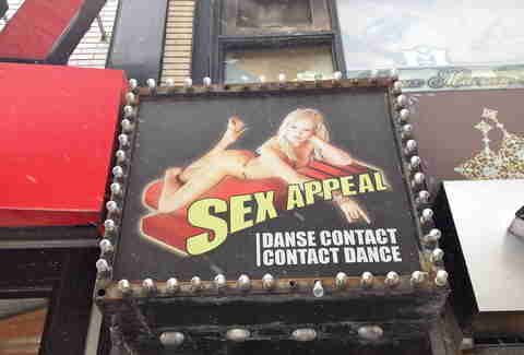 Cabaret Sex Appeal sign