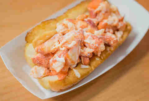 new england lobster roll sandwich