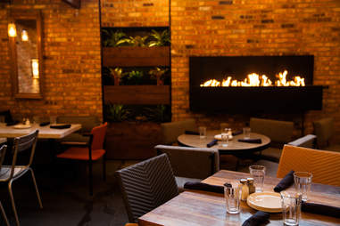 stella barra pizzeria fireplace