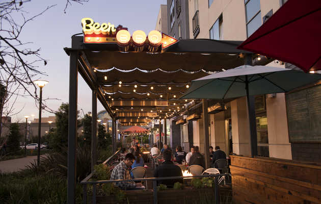 The Best Bars in Long Beach for a Night Out