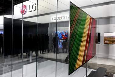 lg signature OLED4K  W series
