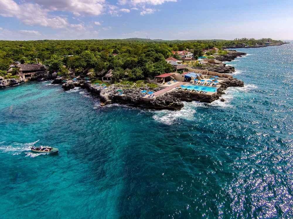 Best Caribbean Resorts For Vacations On Any Budget Thrillist - Cheapest caribbean islands