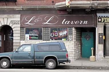 serial killer dive bar chicago