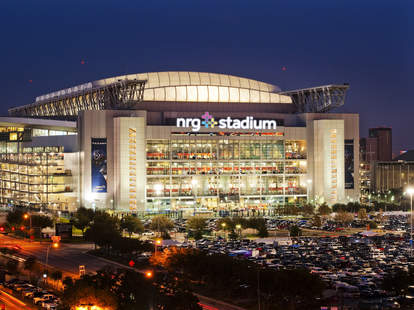 pros and cons of hosting the superbowl