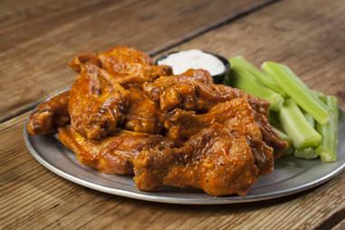 pluckers wings