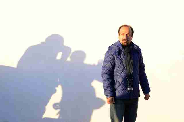 farhadi on the set of the salesman